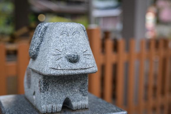 Dog statue at a cat shrine
