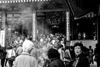 A crowded Sensoji temple